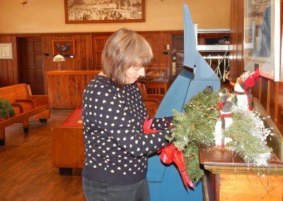 Historic-Kirkwood-Train-Station-volunteer-wreath